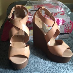 """Strappy 6"""" Platform Wedge Leather Shoe Size 9 NEW"""